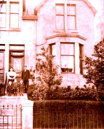 The Macartney family at 39 Jedburgh Avenue in Rutherglen c.1905