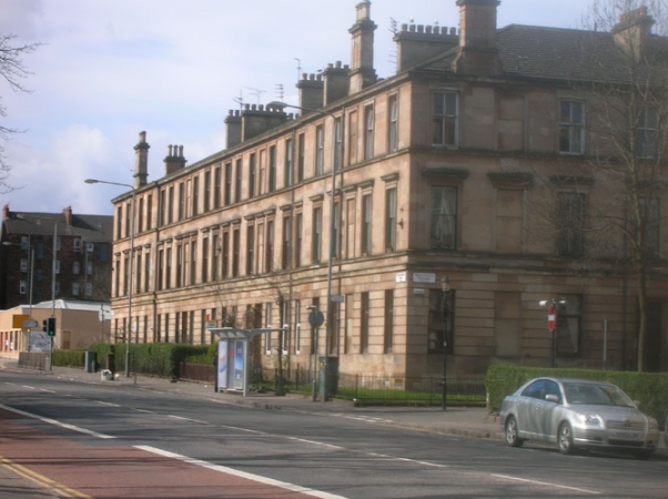 The block containing the dwelling 856 Pollokshaws Road