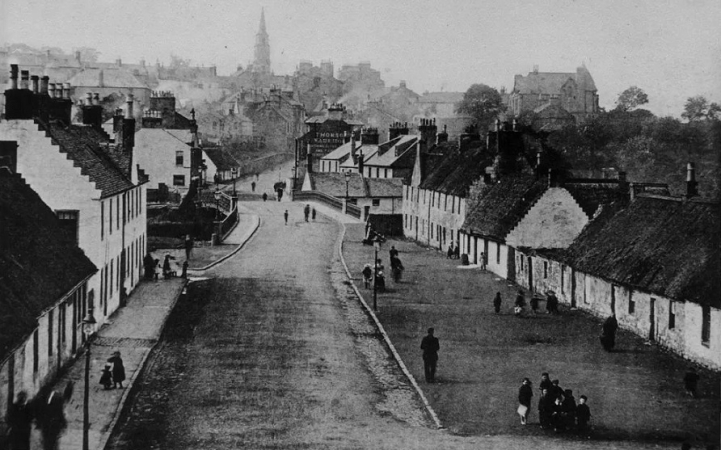 Eastside, Kirkintilloch looking west (c.1900)
