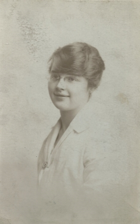 Agnes Niven Boyle in 1918