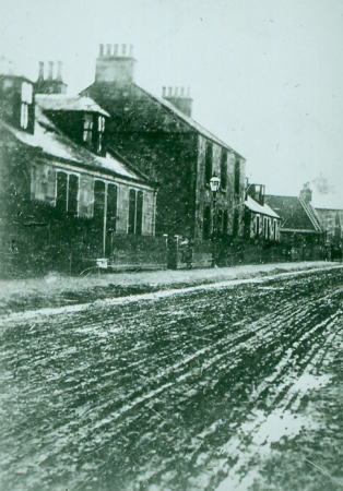 The two-dwelling Orchard Cottage on Cart Road, Camelon (c1900)